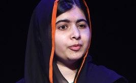 Malala Yousafzai sköts i huvudet av talibaner år 2012 för att hon hävdade sin rätt att få gå i skolan trots att hon inte är pojke. År 2014 fick hon Nobels fredspris för sin kamp mot förtryck av barn och unga. Bild: Joe Giddens/TT.