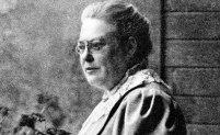 Kämpade för kvinnlig rösträtt i Sverige Anna Whitlock (1862–1930) var en av förgrundsgestalterna i den svenska rösträttsrörelsen. Hon skrev bland annat i Aftonbladet, grundade en skola och var med i liberala partiet. Hon är förlagan till figuren Dagmar Friman i tv-serien Fröken Frimans krig. År 1918 belönades hon med den kungliga medaljen Illis quorum.